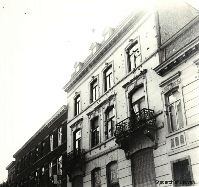 Gevel met kogelinslagen in de Blijde Inkomststraat (Stadsarchief Leuven)