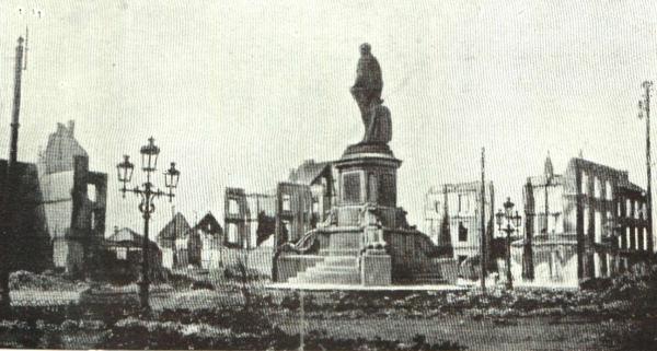 Perk Vandeweyer op het Stationsplein in Leuven (foto de Gerlache 1917)
