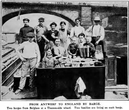 Belgische bootvluchtelingen in Groot-Brittannië  (foto Times History 1915)