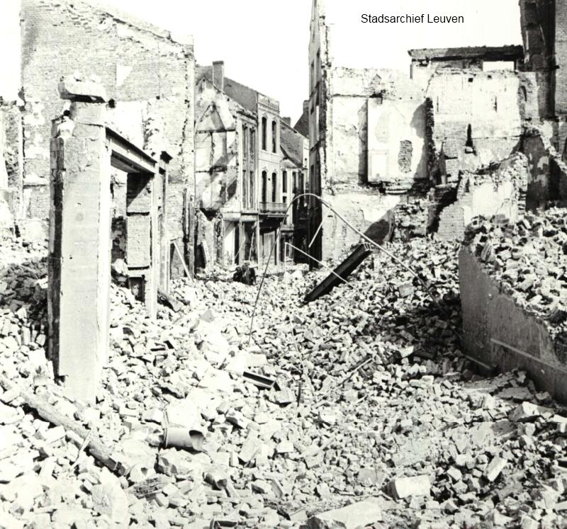 Totale verwoesting in de Pensstraat (foto Stadsarchief Leuven)