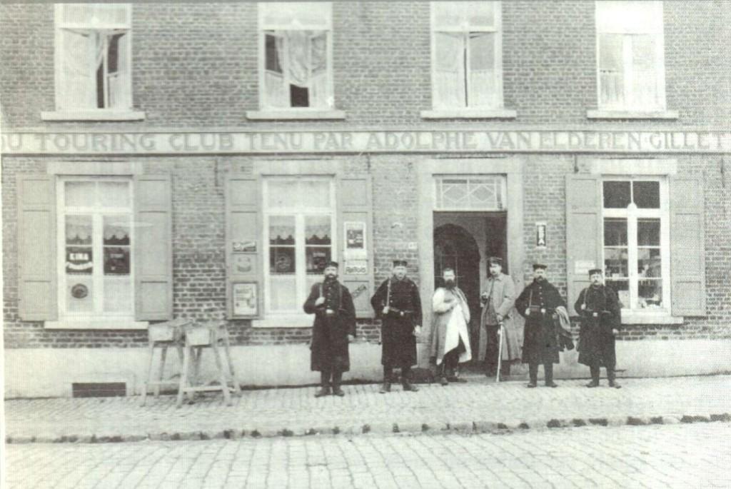 Foto uit Tireliren G., Rechtdoor: Valeer Claes 1884-1958, 2000.