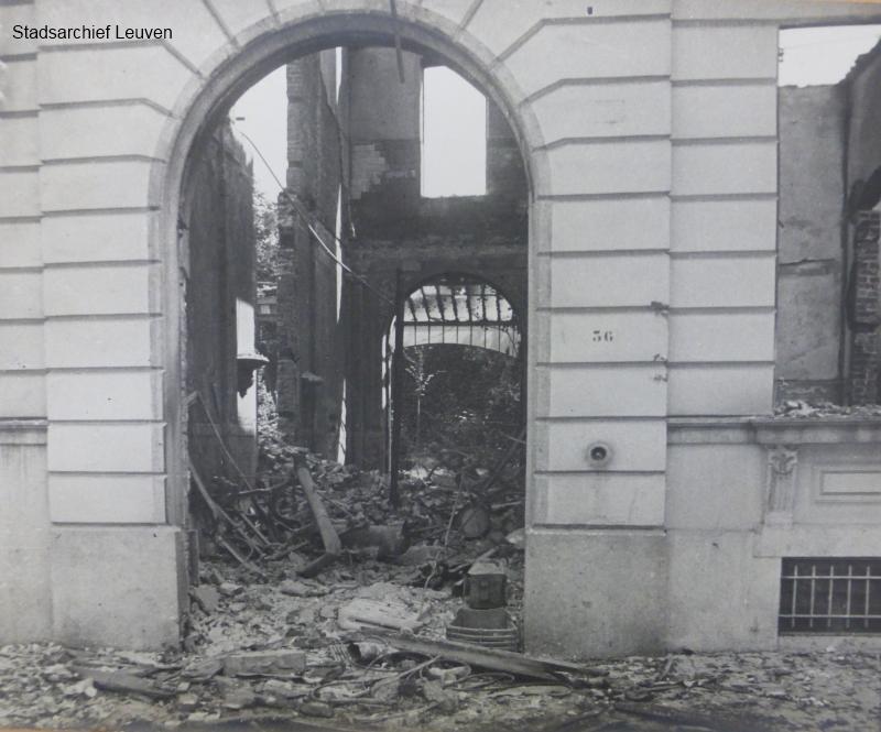 Vernietigde huis van de hoogleraar geneeskunde Van Gehuchten in de Leopoldstraat. In december 1914 overleed de man tijdens zijn ballingschap in Cambridge (foto Stadsarchief Leuven, fototheek)